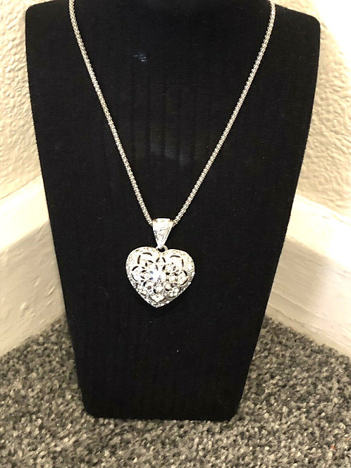 Artist Ladies Silver Tone 3D Heart Pendant Silver Plated Necklace.