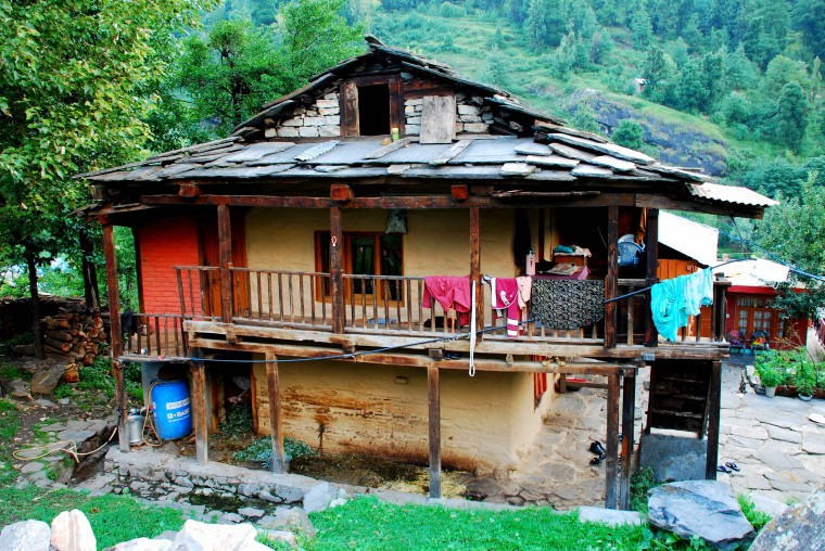 Traditional house in Old Manali (Image by www.mapsofindia.com)