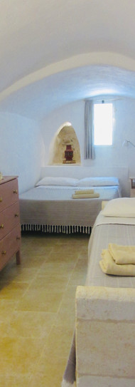 Lamia bedroom