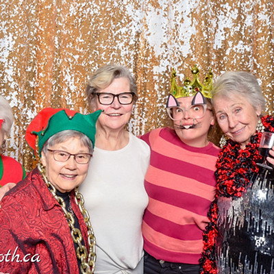 William's Court Holiday Party