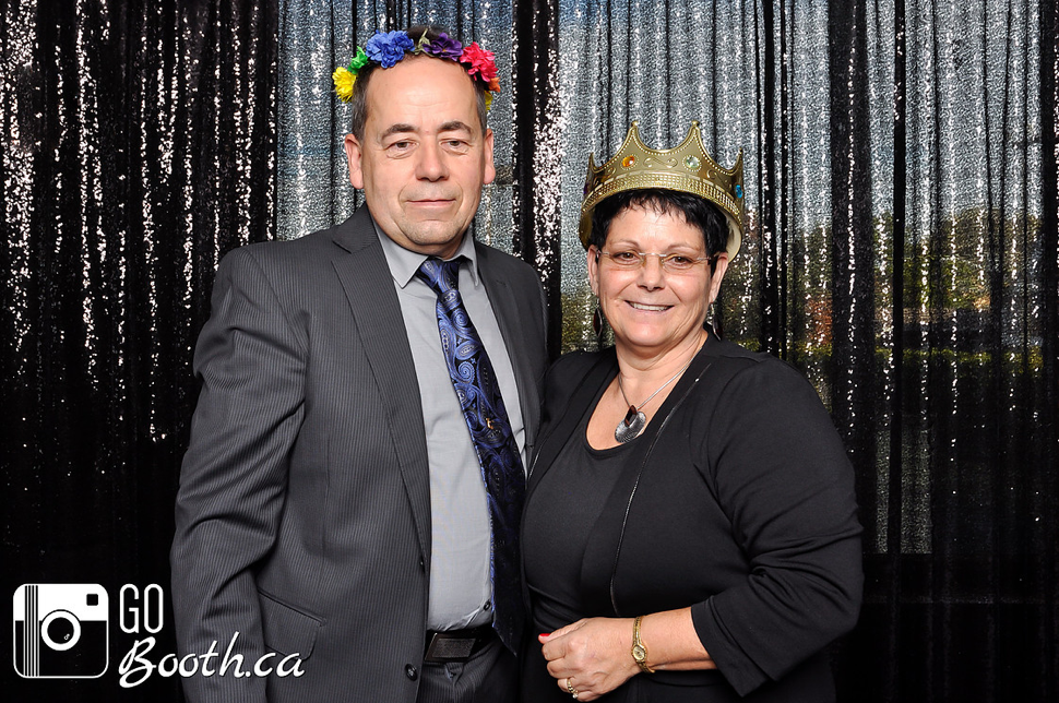 Not looking in the lens - Ottawa Photo Booth Rental