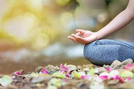 mind-healthy-lifestyle-hand-gesture_3807
