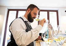 Matthias Trick ist gelernter und studierter Weinakademiker / WSET Diploma.