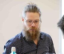 Benjamin Becker ist Sommelier und Gastgeber Golvet 1 Sterne Restaurant in Berlin