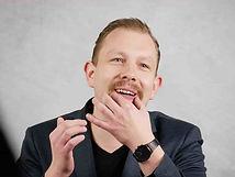 Alexander Seiser ist der Sommelier und Gastgeber in dem 1 Sterne Restaurant Bandol sur mer.