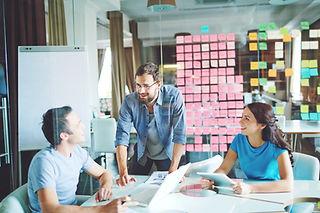 Séance de coaching créatif pour un brief à une agence de conseil en communication