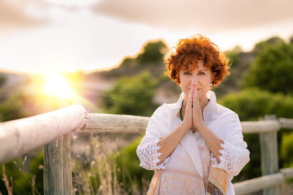 Ishwa Odíne Yoga lumínico solar  y Medit