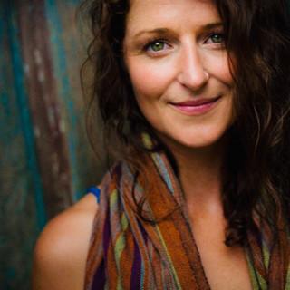 Nicole Regan Author Pic 1.jpg