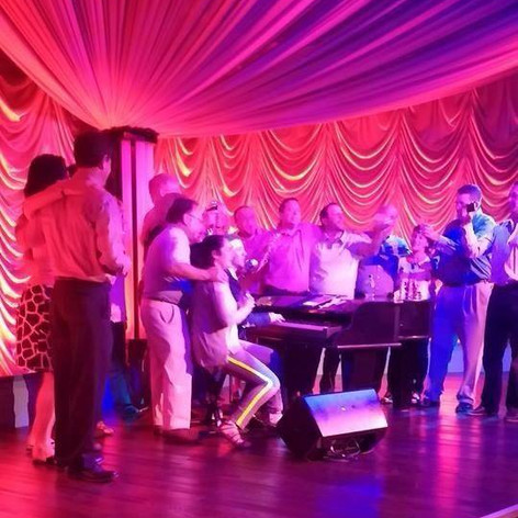 """""""Pianoman"""" on the Turquoise Tiger stage, Turning Stone Resort*Casino"""
