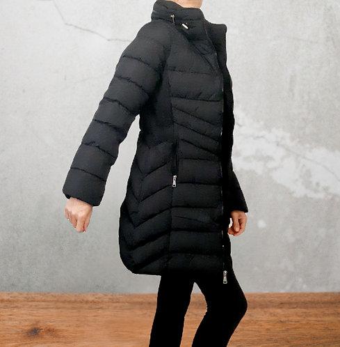 Abrigo negro acolchado invierno con pelo interior