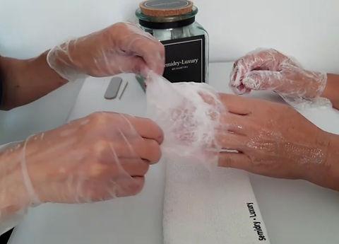 semidry manos quitamos guante.jpg