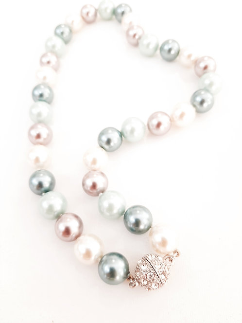Collar perlas colores cierre piedras