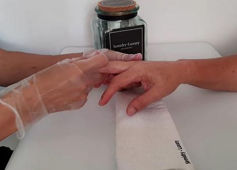 semidry manos masaje final.jpg