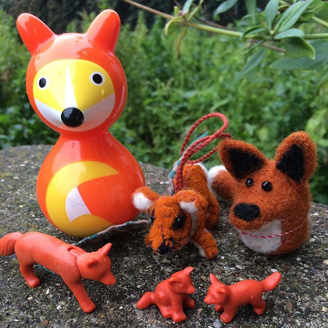 Happy New Year! Here's to an outdoorsy 2018!! 🦊🌲🥂🍾#foxgloveforestschool #forestschool #fox