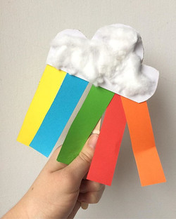 ☔️🌈 _growmayow it's a bit wet today so wear your wellies! We are making rainbows to brighten up our