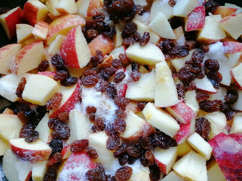 chopped apples, sultanas and sugar