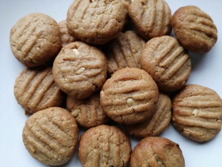 Super Easy 3 Ingredient Peanut Butter Cookies