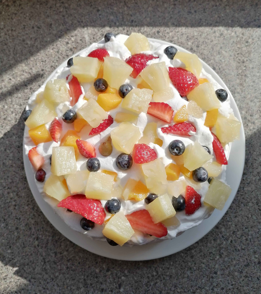 mixed fruit cream cake