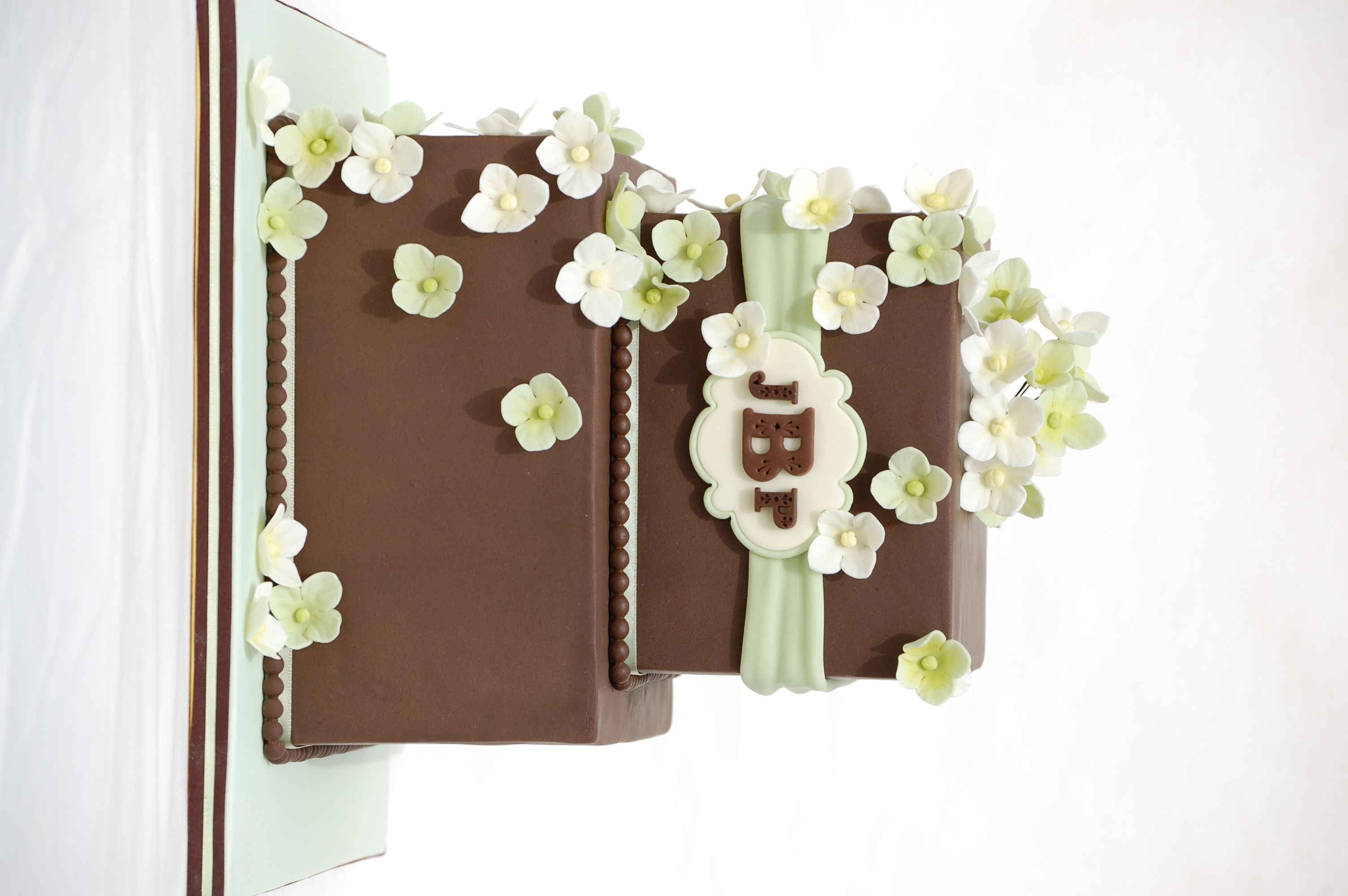 Chocolate and Hydrangea Wedding Cake