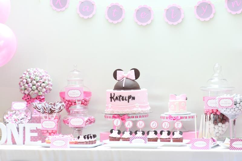 Pretty pink dessert table