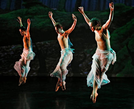 """Moss #5"" choreography by Jacqulyn Buglisi.   Photo: Paul B. Goode."