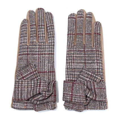 Check gloves in camel