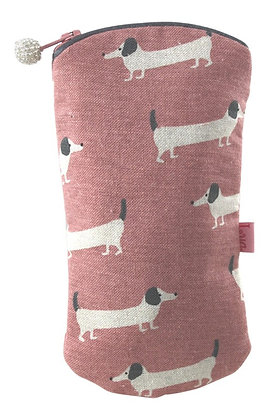 Sausage dog glasses purse in pink