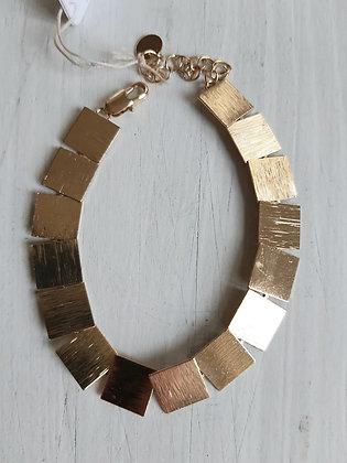 Textured squares bracelet in gold