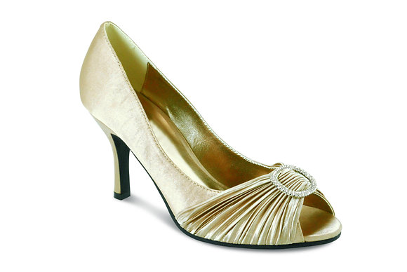 Diamonte mid heel shoes cream