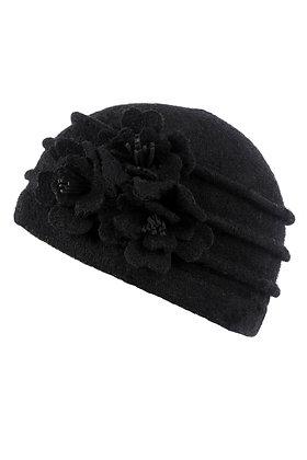 Cloche hat in black