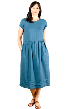 Relaxed linen dress in teal