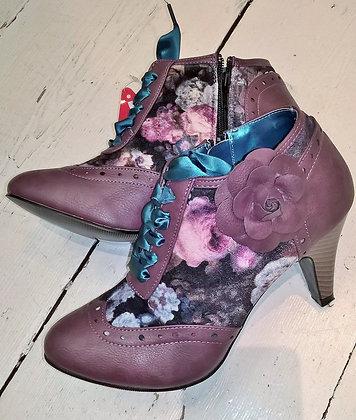 Burgundy floral shoe boots