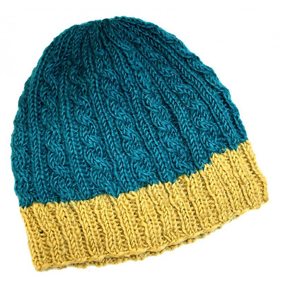 Cable knit beanie in teal