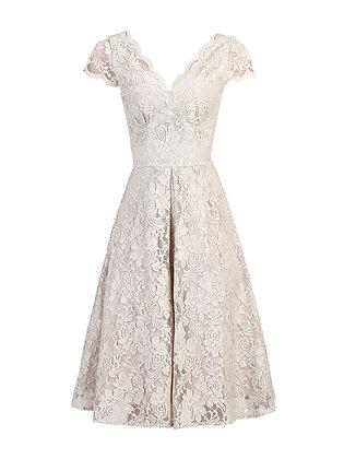 Swing lace dress in oyster