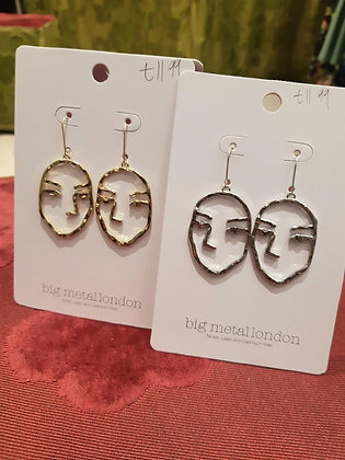 Textured Face drop earrings