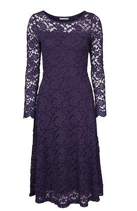 Edgeworth lace dress in purple