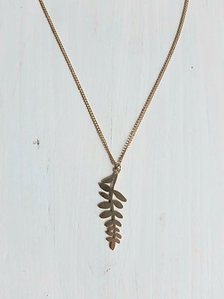 Leaf frond necklace in gold