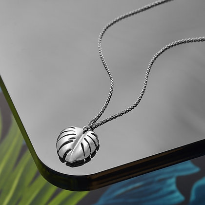 Silverplated leaf drop necklace