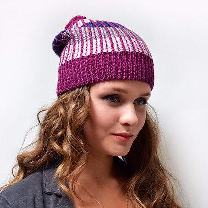 Bobble knit beanie in plum