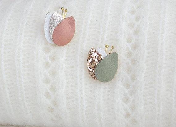 Pin's duo lotus   rose et vert pastel - L'indiscrête