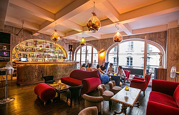 Le 153 bar : Salle à pivatiser paris pour événements professionnels, d'entreprise, anniversaires, team builing, conférences...