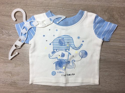 """T-shirt """"Little Elephamts"""" com uso"""