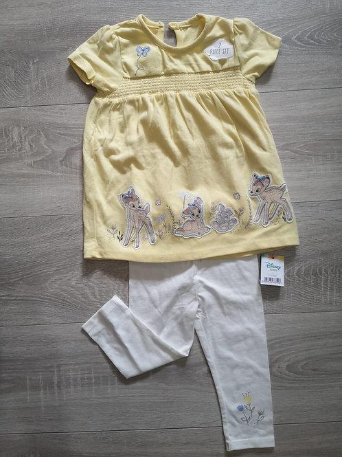 Camisola amarela com leggings branca