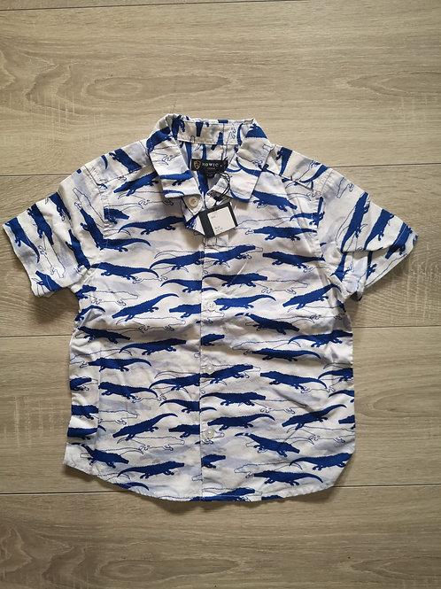 Camisa com jacarés azuis e brancos