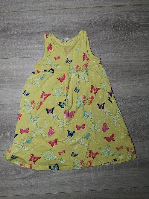 Vestido amarelo com borboletas