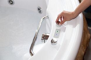 whirlpool-bath-YJVFHQN copy.jpg