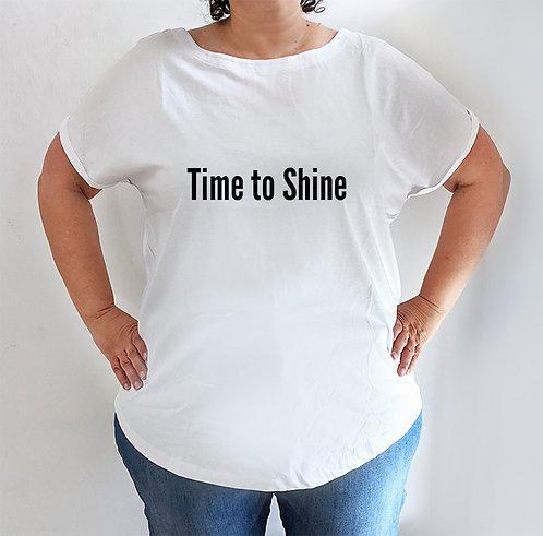 חולצה  לבנה מעוצבת בהדפס Time to Shine