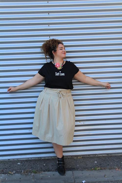 חולצה  שחורה מעוצבת בהדפס  Self Love