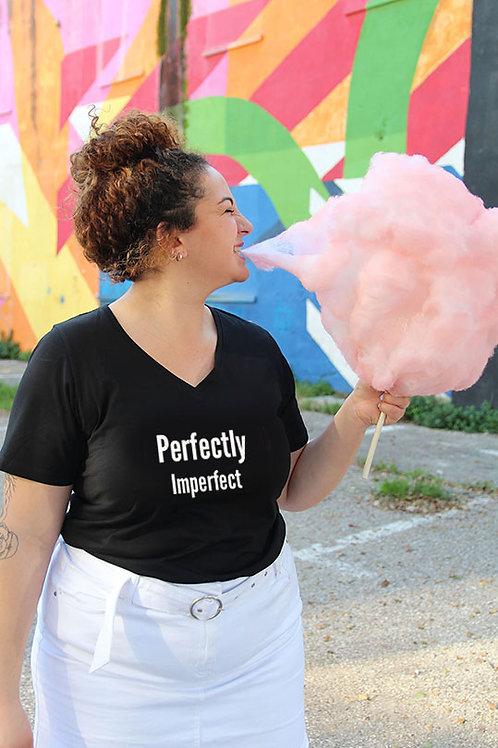 copy of חולצת וי שחורה מעוצבת בהדפס  Perfectly Imperfect