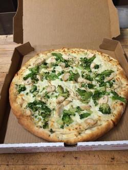 Broccoli & Chicken White Pizza